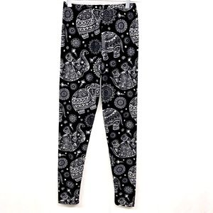 Pants - NWOT Abstract Elephant Print Leggings Pants OS